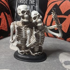 Selfie Skeleton Couple Resin Statue Halloween